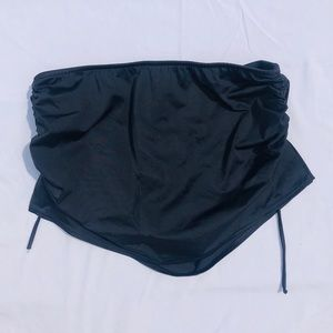 Venus skirt swim bottoms, size 8. Black